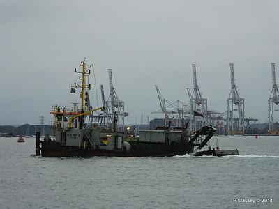 NORMA Dredger Southampton PDM 05-08-2014 19-42-51