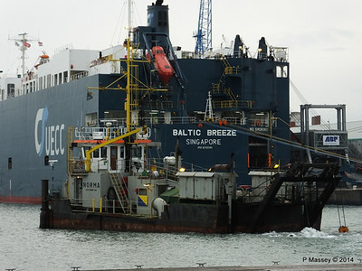 NORMA BALTIC BREEZE Southampton PDM 05-08-2014 19-41-46