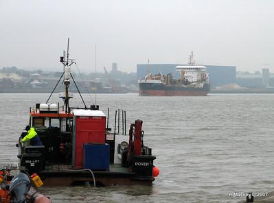 SEA-LIFT III SAND FULMAR Tilbury PDM 11-06-2007 14-44-48