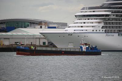 GOOLE STAR Passing MARINA Southampton PDM 04-08-2016 18-32-01