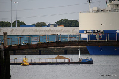 GOOLE STAR Passing GLOVIS CAPTAIN Southampton PDM 06-07-2016 16-08-50