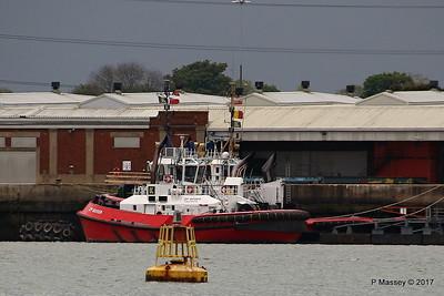 ZP BOXER behind is SMIT TIGER Southampton PDM 27-04-2017 18-40-11
