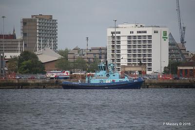 APEX waiting HARMONY OF THE SEAS Southampton PDM 20-05-2016 17-56-07