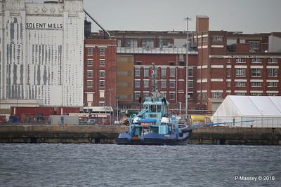 LOMAX waiting HARMONY OF THE SEAS Southampton PDM 20-05-2016 18-06-14