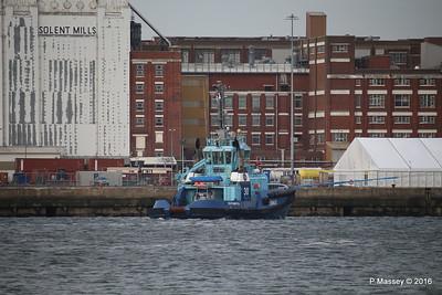 LOMAX waiting HARMONY OF THE SEAS Southampton PDM 20-05-2016 17-55-57