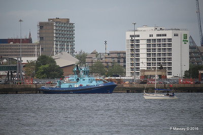 APEX waiting HARMONY OF THE SEAS Southampton PDM 20-05-2016 18-06-48