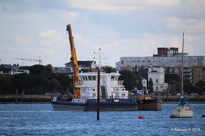 SEAGREEN Barge 1018 Southampton PDM 11-10-2016 14-40-34