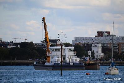 SEAGREEN Barge 1018 Southampton PDM 11-10-2016 14-40-33