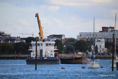 SEAGREEN Barge 1018 Southampton PDM 11-10-2016 14-40-08