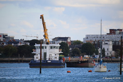 SEAGREEN Barge 1018 Southampton PDM 11-10-2016 14-40-07