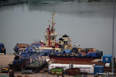 SVITZER SARAH WILTANGO's 2 hulls Empress Dock Southampton PDM 17-07-2016 06-32-09