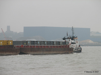 RETAINER Towing Barges Tilbury PDM 11-06-2007 14-37-28
