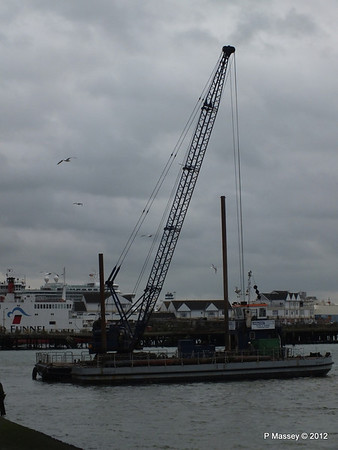 WALCON WIZARD with BAGHDAD II barge PDM 19-11-2012 12-30-19