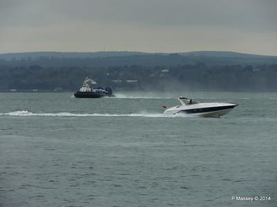 ISLAND EXPRESS Hovercraft HUNTON Solent Portsmouth PDM 02-12-2014 10-28-026