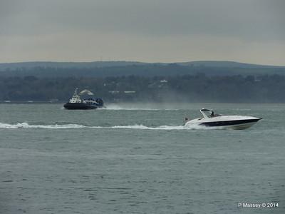 ISLAND EXPRESS Hovercraft HUNTON Solent Portsmouth PDM 02-12-2014 10-28-24