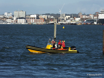 Ribtec approaching Hythe Marina Southampton PDM 07-12-2014 12-27-09