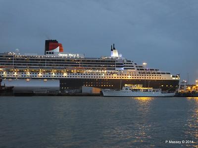 QM2 SHEMARA Southampton PDM 09-05-2014 20-55-04