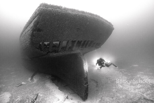 CCR Diver on EMBA stern bw