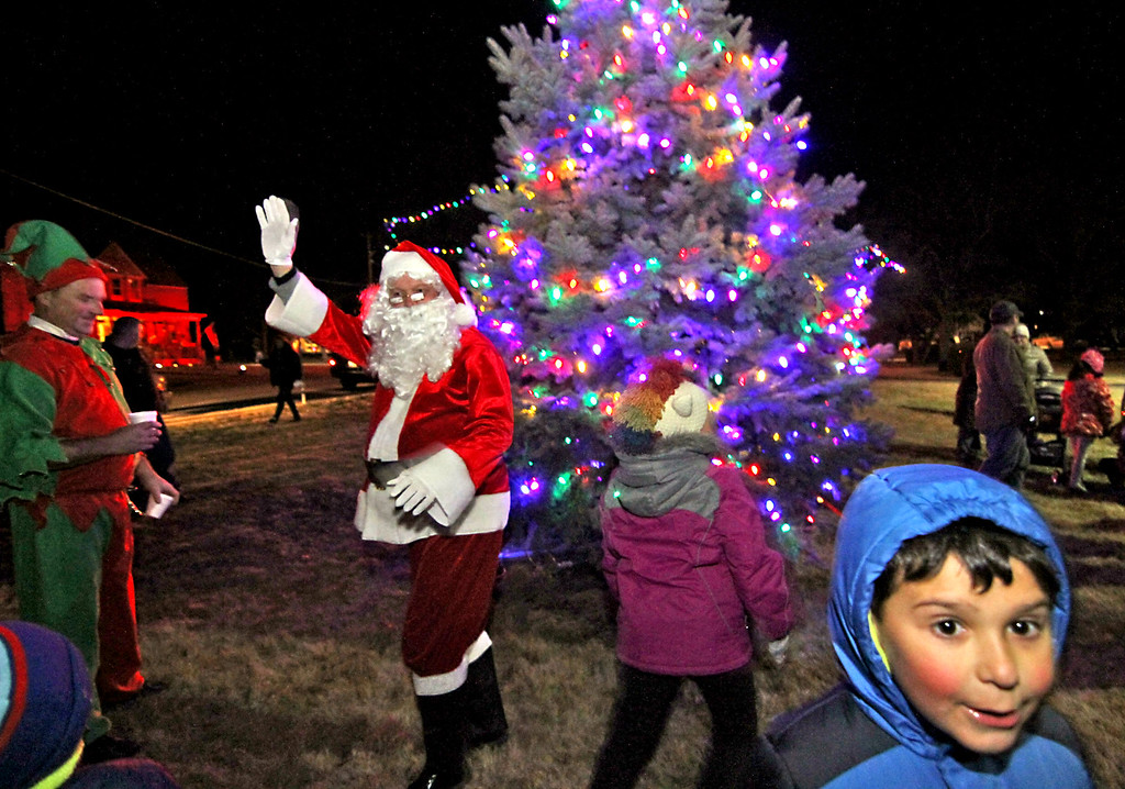 . Santa and his elf\'s leave the Shirley Tree Lighting ceremony at Whiteley Park. Nashoba Valley Voice Photo/David H. Brow