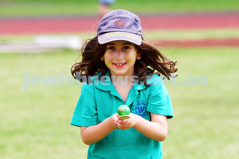 11-12-14. Sholem Aleichem sports day at Duncan McKinnon athletics track. egg and spoon race. Photo: peter haskin