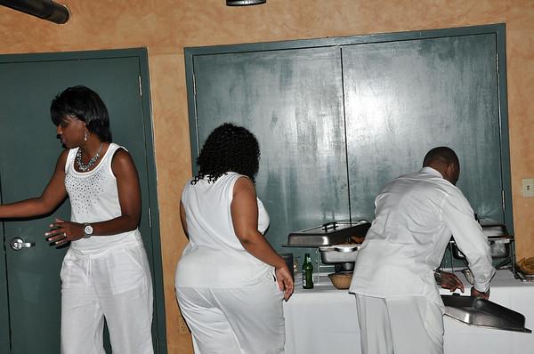 Nobles All White 2010