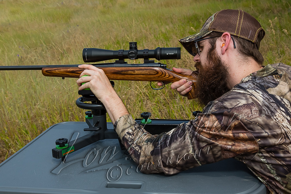 Shooting sports, sighting in rifle