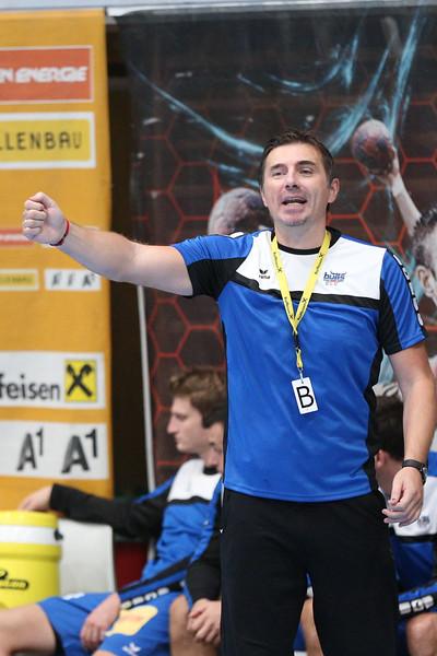3. 10. 2015 - Handball - HLA, Handball Liga Austria, HC Fivers Margareten vs HC ece bulls Bruck  in Sporthalle Margareten, Vienna, Austria . Image shows Trainer Milan Vunjak (HC ece bulls Bruck) .Foto: GEPA Pictures / Gerald Fischer