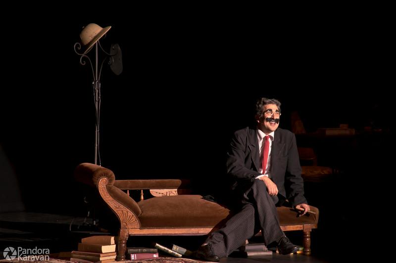 Frank Ferrante as Groucho