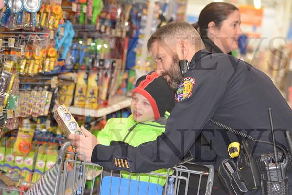 Shop with a Cop Dec. 17, 2016