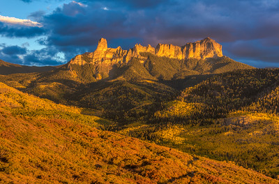 Courthouse Mountain & Chimney Rock