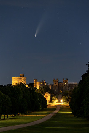Comet over the Castle