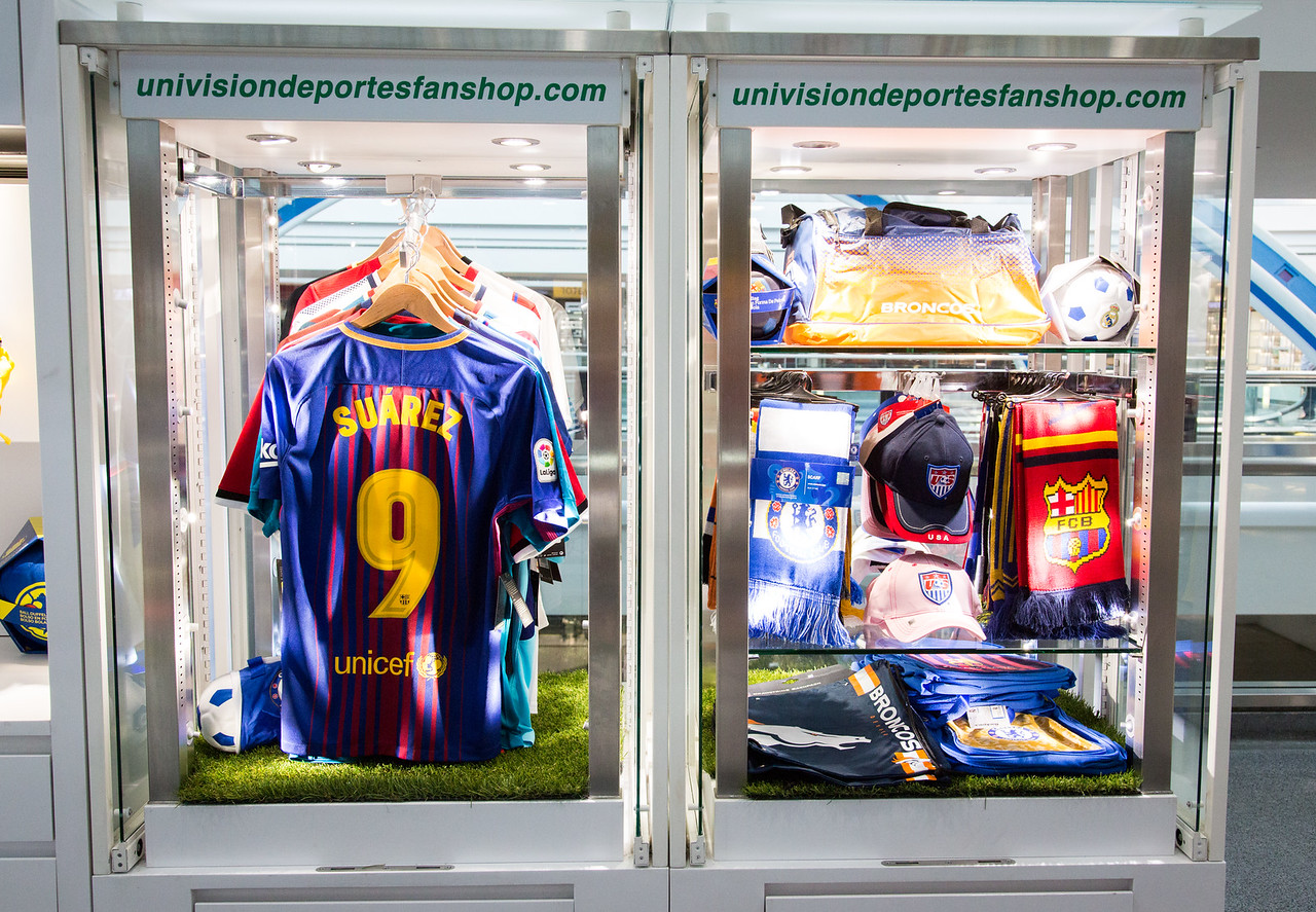 db2132cf Univision Deportes Fan Shop, B Gates, Center Core - DenverInternational