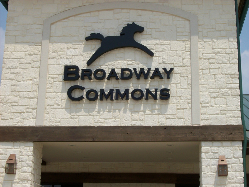 BROADWAY COMMONS