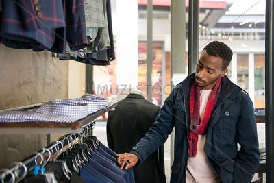 UmuziStock_Shopping_in_Newtown_139