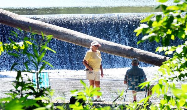 0801 fishing couple