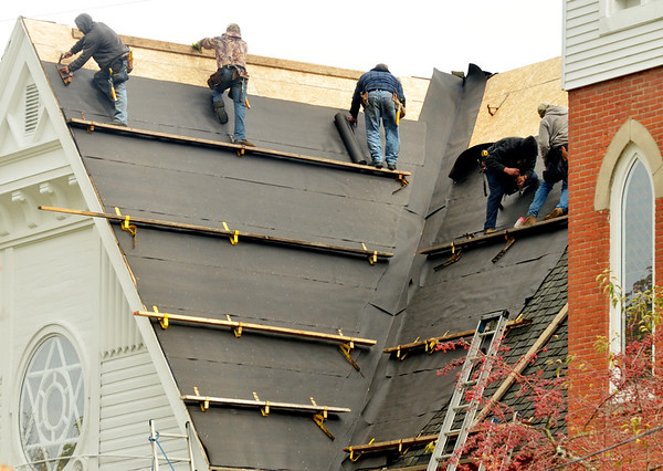1025 roofers