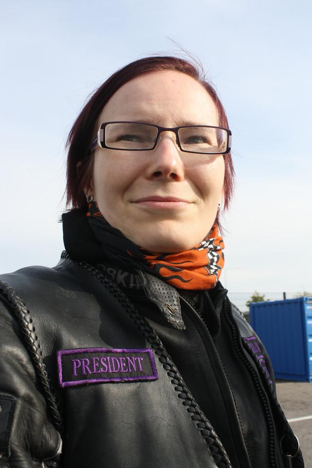 Jenna Iivanainen - toinen mielenosoituksen järjestelijöistä