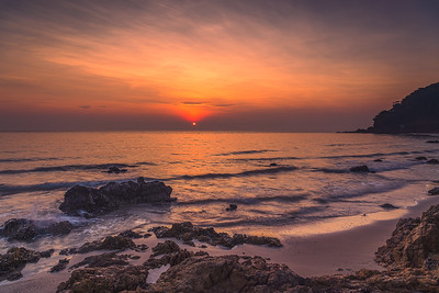 Stunning sunrise at Rayong beach, Thailand