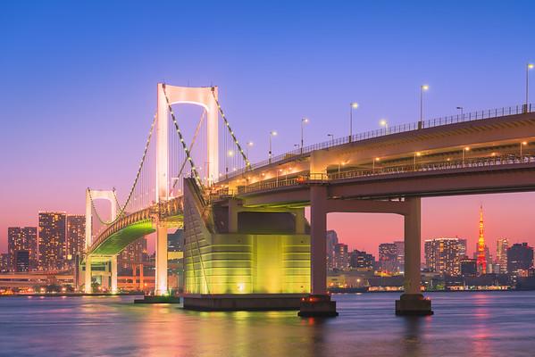 Rainbow Bridge and Tokyo Tower at dusk