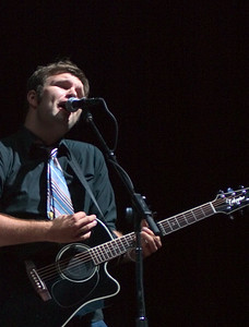 Ryanhood performs at Centenial Hall in Tucson, Az on September 21, 2005 as the openinf act for Jason Mraz.