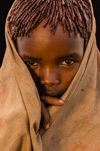 Young Hamar Girl with Shawl (Ethiopia)