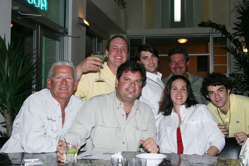 "Back at the Martini Bar of the <a href=""http://www.winterhavenhotelsobe.com/"">Winterhaven hotel</a> we met a great bunch of people and had some drinks and laughs.  It was a perfect end to a great day."