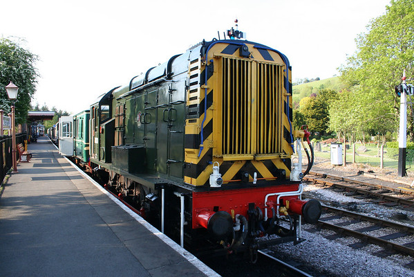 09010 at Buckfastleigh ready to work the 1830 to Totnes. 25.05.13