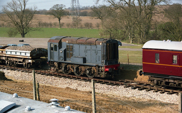 D3476 at Castle Hedingham on the Colne Valley Railway. 23.03.03