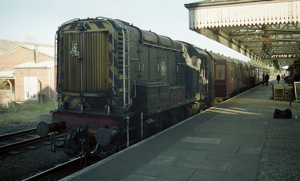 D4067 at Loughborough on the Great Central Railway. 22.09.02