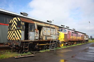 08770 with 37669 and 08646 at Margam on the 19th May 2009