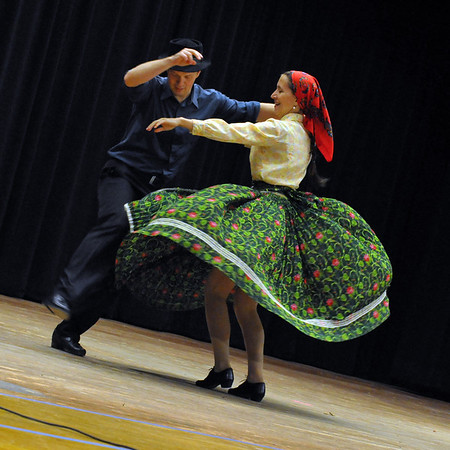 Pal Mlinar and Katalin Korosi Mlinar - Roma dance