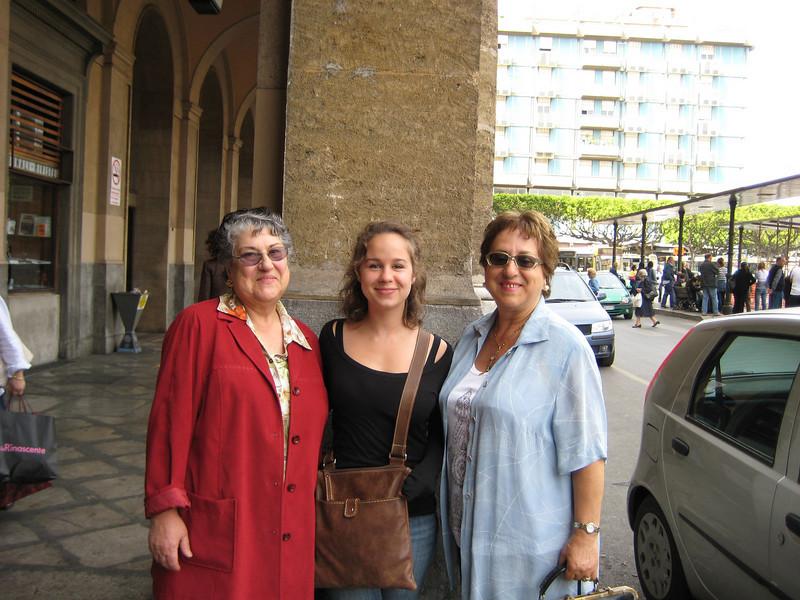 Maria, Carissa, Anna
