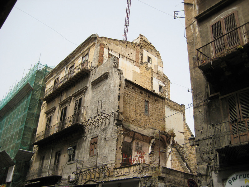 Corso Vittorio Emanuele - more bombed out buildings, more repairs