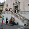 Buskers at chiesa San Giuseppe as the matrons observe from above